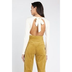 Tops - 🆕Cream Long Sleeve Open Tie Back Bodysuit